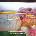 Attività per bambini con la lana e materiali di riciclo