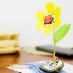 Lavoretti per la Festa della Mamma: il fermacarte a forma di fiore