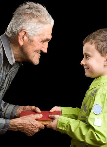 vecchio nonno e il nipotino