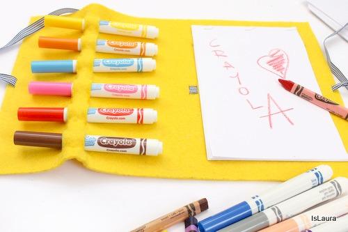 astuccio aperto con pennarelli Crayola