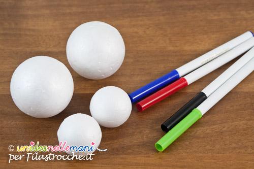 pennarelli e palline di polistirolo