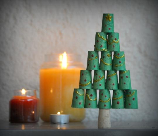 Lavoretti Di Natale Tappi Sughero.L Albero Di Natale Con I Tappi Di Sughero I Testi Della Tradizione