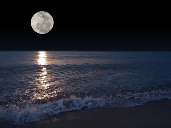 Risultati immagini per il mare di notte