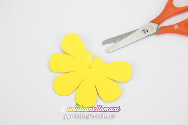 lavoretto-Festa-della-Mamma-fermacarte-3 petali