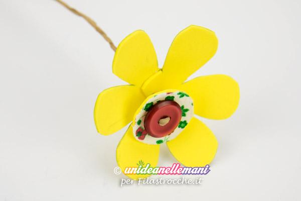 lavoretto-Festa-della-Mamma-fermacarte-fiore