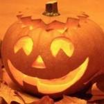 Decorazioni per Halloween: la lanterna con una zucca vera