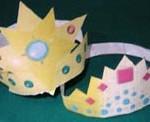 Accessori di Carnevale: corone, cappellini e bacchetta magica