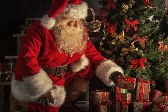 Immagini Di Babbi Natale.Storia Di Babbo Natale Origine E Tradizione Del Personaggio