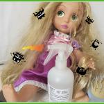 La pozione anti-pidocchi per lavare i capelli alle bambole