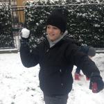 Neve in città, bimbi felici!